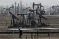Ceny ropy klesajú, americká WTI sa obchoduje pod 47 dolárov za barel