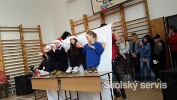 Vianočné koledovanie na OA Šurany malo úspech