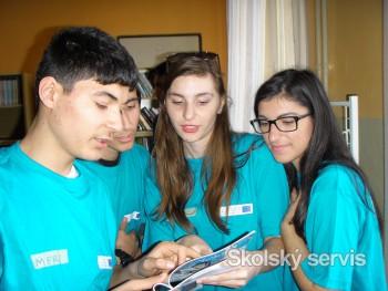 Slováci a Česi si na vzdelanie detí požičiavajú stále častejšie