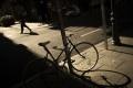 V Senici spadol cyklista na kapotu auta