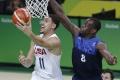 NBA: Warriors v repríze finále vyhrali nad Cavaliers 126:91