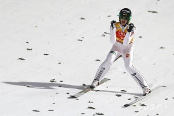Skoky na lyžiach: V Trondheime triumfoval slovinec Peter Prevca