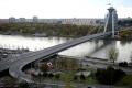 V Bratislave skočil z Mosta SNP muž do Dunaja