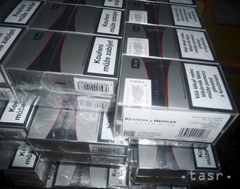 Colníci odhalili cigarety s českými kontrolnými známkami