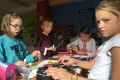 Fantáziu, tvorivosť i prírodný materiál využili deti na umelecké diela