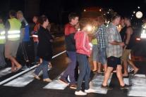 Nočný protest Dvoriančanov proti kamiónom