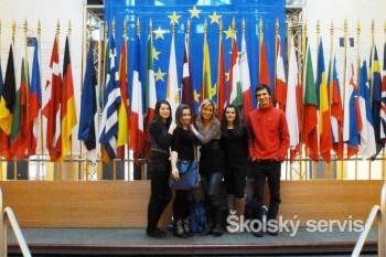 V sále s 800 modrými kreslami znela slovenčina