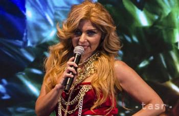 Gitana uviedla do života svoj prvý album, zahŕňa aj piesne v rómčine
