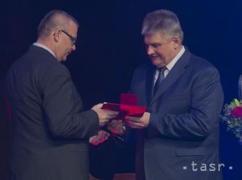 VIDEO: Minister J. Richter ocenil 23 osobností rezortu práce