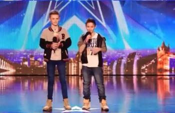 Títo chlapci dojali Britániu: Pri piesni o šikane tiekli slzy