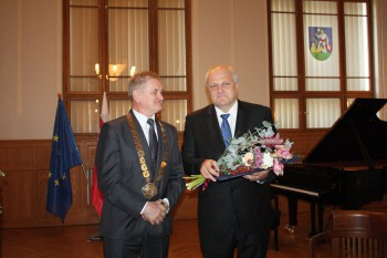 Rektor UKF Libor Vozár si prevzal Cenu NSK