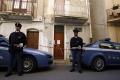 Na základe udania ôsmich podnikateľov zadržali v Taliansku 12 mafiánov