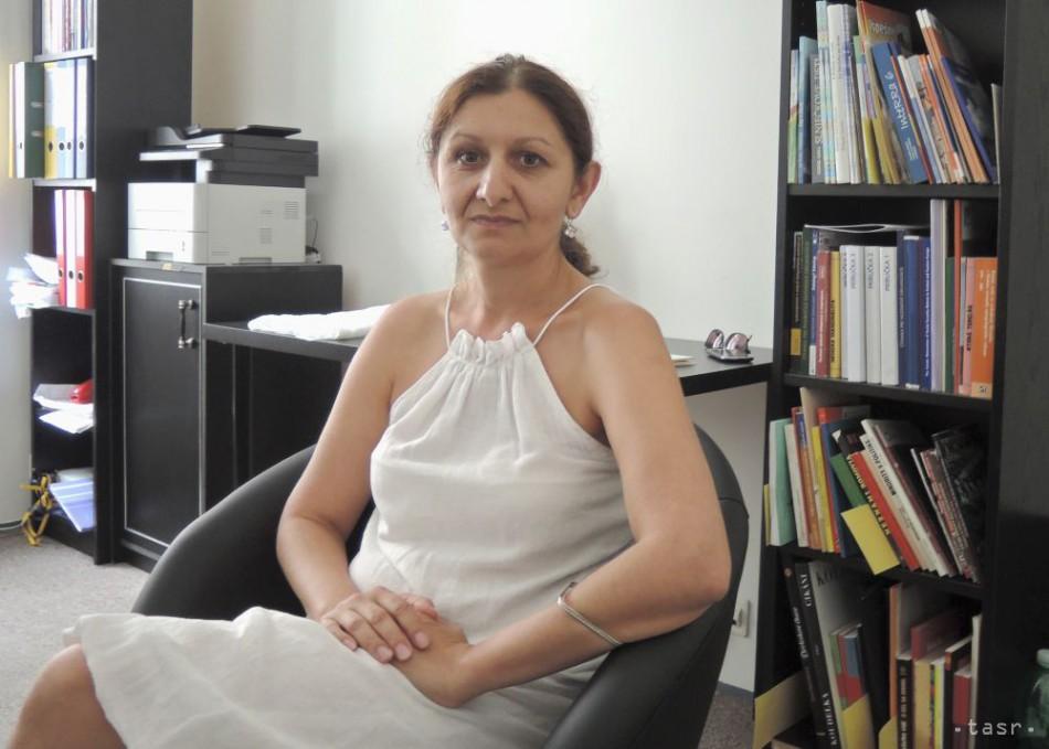 Z.KUMANOVÁ  Veľa rómskych žien prestalo veriť 027cf03a43a