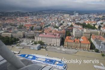 Dunaj zavrel ďalšiu školu