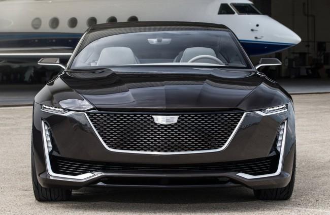 Americká automobilka stavia na európskom dizajne a svedčí jej to