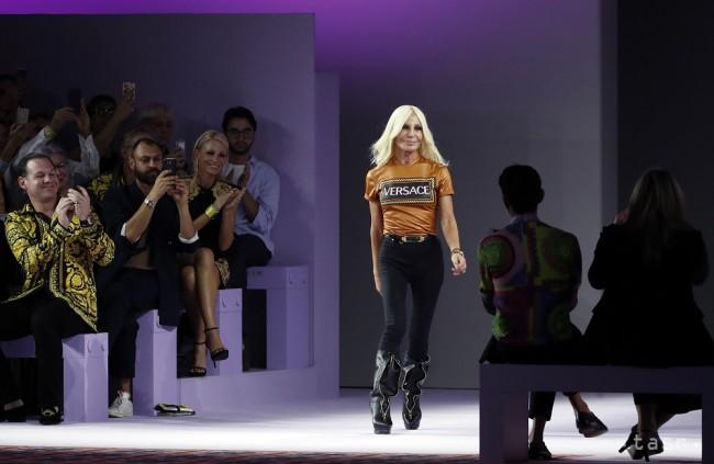 Taliansky dom Versace kupuje americká značka Michael Kors - Štýl ... 9858699c4cc