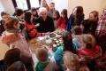 Humenné: Deti sa v múzeu učili zdobiť kraslice