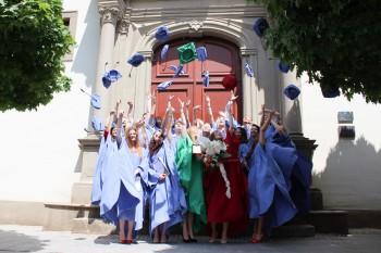 Absolventi SSOŠ Via Humana Skalica si prevzali maturitné vysvedčenia