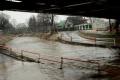Pršať neprestáva, rieky stúpajú: V týchto okresoch hrozia povodne