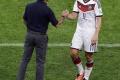 Nemecký tréner Joachim Löw si chce udržať Kloseho v podpornom tíme