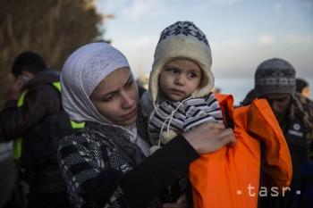 NATO by malo kvôli migrantom hliadkovať v tureckých vodách