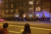 VIDEO: Na bratislavskej nočnej Párty u Rada protestovali stovky ľudí