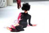 Modelka spadla na móle