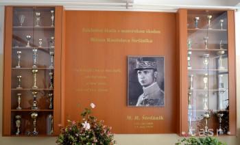 ZŠ v Budimíre si dáva za vzor M. R. Štefánika, jeho meno má v názve