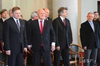 Minister D. Čaplovič má premiérovu podporu a R. Kaliňák dôveru