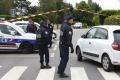 Pri zatýkaní extrémistu na ostrove Réunion boli zranení 2 policajti