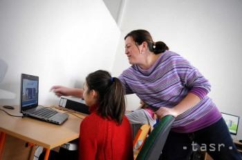 Učitelia budú môcť získať kredity len na VŠ a štátnych organizáciách