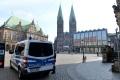 Psychicky chorý muž zranil nožom v parku v Brémach štyroch ľudí