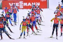 Štart pretekov s hromadným štartom žien Svetového
