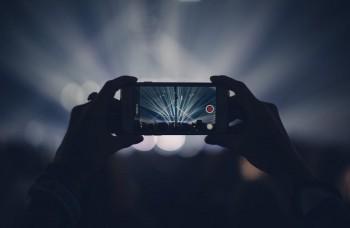 Mobily sa dajú hacknúť aj pomocou zvuku, ukázali najnovšie experimenty