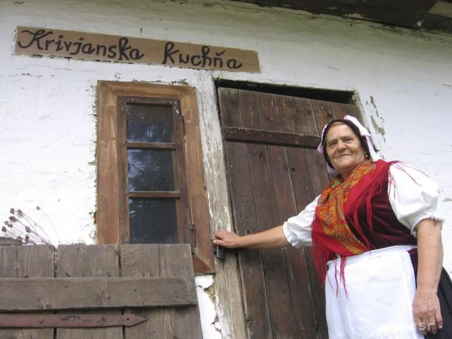 Na folklórnom festivale v Krivanoch už vystúpili tisíce účinkujúcich