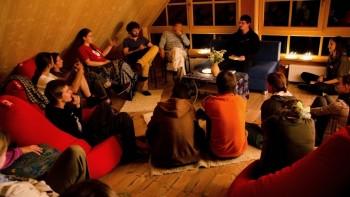 Na Sokratovom inštitúte bude učiť Eskimák, Iránec i Brazílčanka