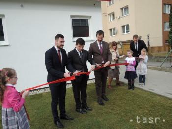 Kapacity stupavskej ZŠ rozšírila modulová budova