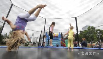 V lete stúpa počet detských úrazov, preto by mali byť opatrné