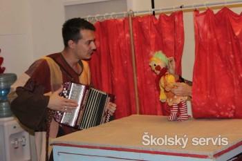 Väzni zahrali divadlo deťom v Detskom kardiocentre