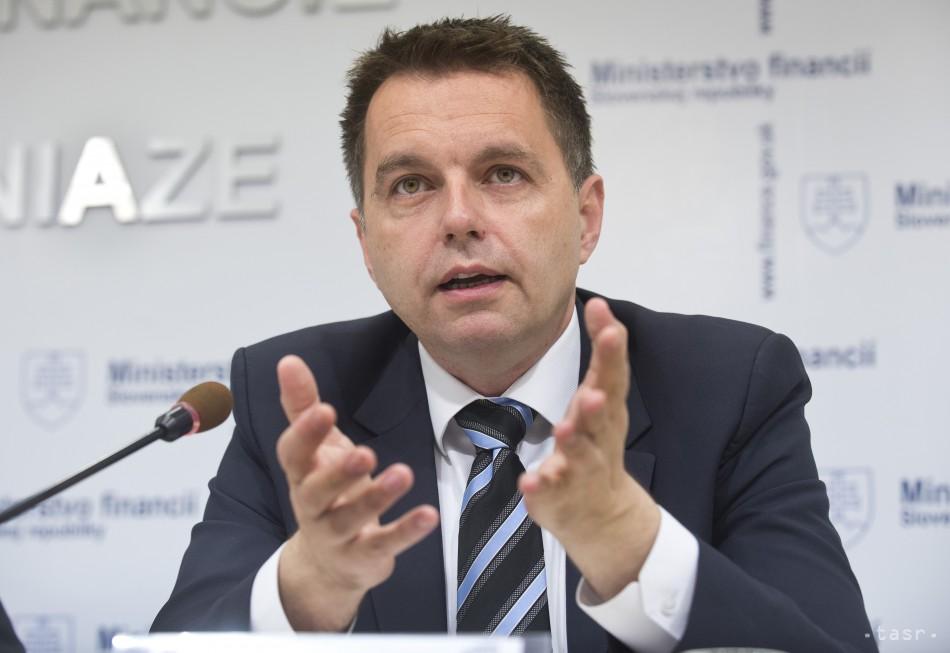 Budeme sa snažiť splniť rozpočtové ciele, sľúbil Peter Kaž