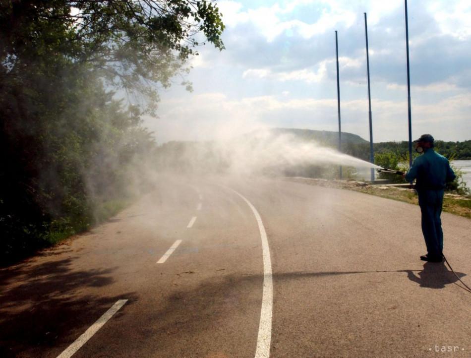 18c163270b683 Premiér: Sme pripravení pomôcť obciam, ktorých trápia komáre