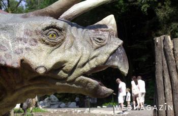 Na ceste do Vysokých Tatier stojí ilegálny Dinopark.