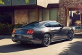 Keď sa marketing vydarí: video Mustangu v Paríži nadväzuje na klasiku