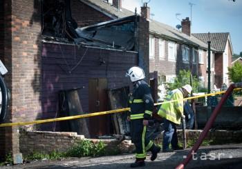 V anglickom mestečku sa zrútila budova, hlásia vyše 30 zranených