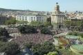 V niektorých letoviskách Katalánska stavajú pozdĺž promenád zátarasy