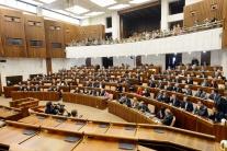 PRIESKUM: Voľby by v decembri vyhral Smer-SD, pred SaS a SNS