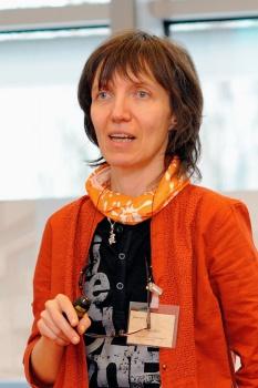 Členkou expertnej skupiny EK pre umelú inteligenciu je M. Bieliková