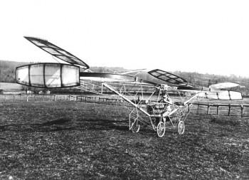 Cornu pred 105 rokmi po prvýkrát vzlietol na svojom vrtuľníku