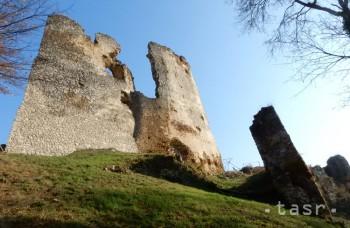 VIDEO: S hradom Čičva je spojená legenda o čiernom žrebcovi