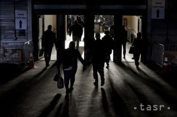 Výbuch telefónu spôsobil paniku v londýnskom metre
